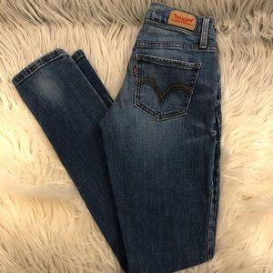 Levi 524 Skinny Jeans